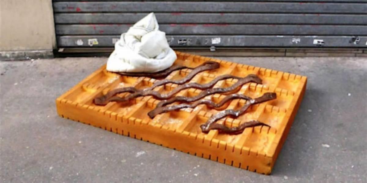 Artista transforma viejos colchones en exquisitos platillos